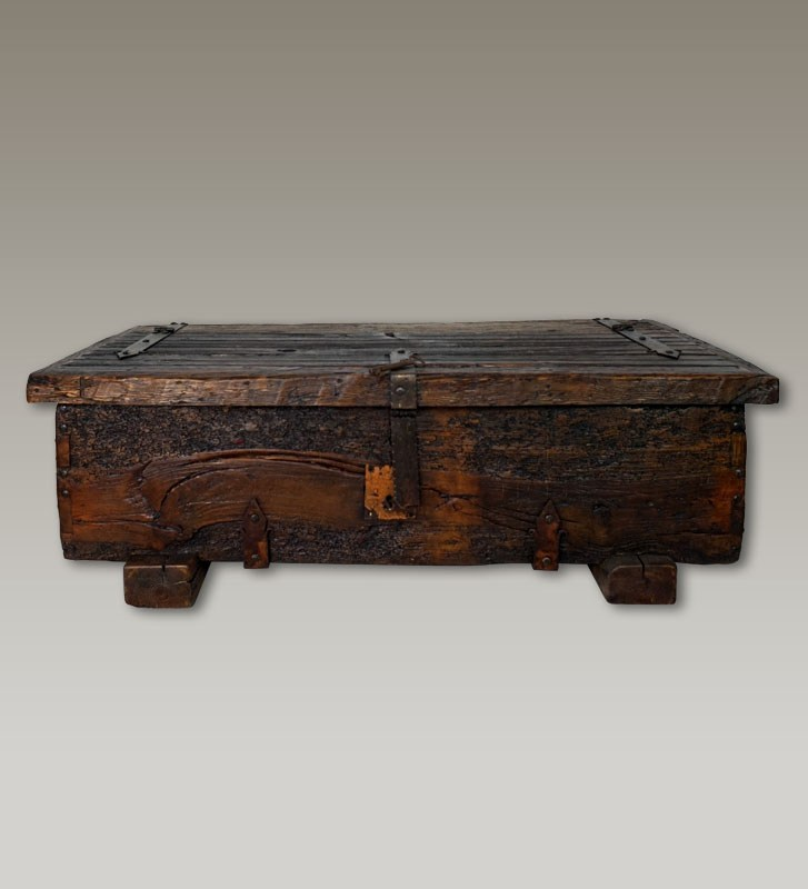 coffee table trunk
