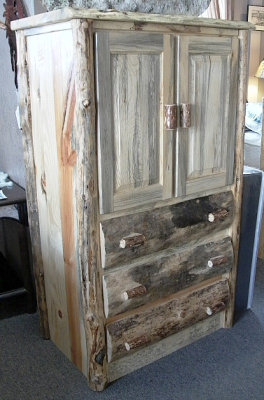 rustic-wolf-lodge-armoire