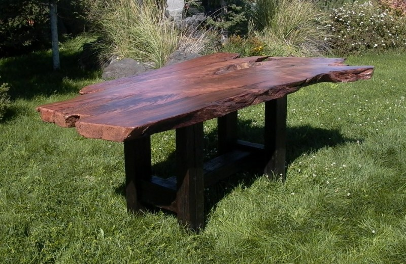 redwood-dining-table